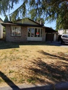 Spacious Family Home - Available Immediately (Ironwood)