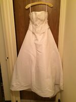 Wedding Gown/Dress - Prom or Formal Dress - Excellent Condition