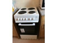 White top electric cooker v good condition hardly used