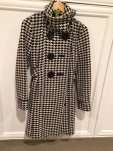 Women's black and white houndstooth wool coat. Soia and  Kyo.