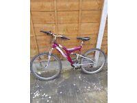 Girls/ladies pink bike