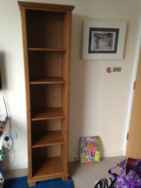 Ikea Markor Bookcase shelves in oak in London – Ikea Markor Bookcase