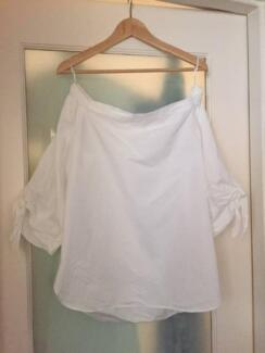 COUNTRY ROAD OFF THE SHOULDER TOP