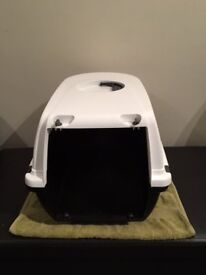 Cat Carrier / Transport Box, 48 x 32 x 31 cm, Black and White