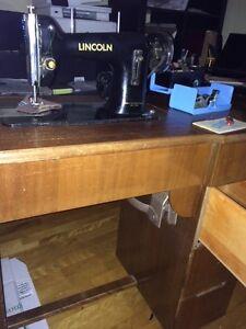 machine a coudre lincoln fonctionnel  avec meuble