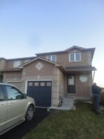 3 bedroom townhouse in south Barrie - all you could want!!