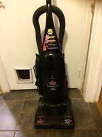 Bissell vacuum 120 Volts 60 Hz 12 Amps - barely used