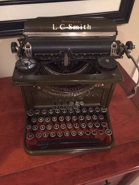 Vintage 1920s 30s L C Smith and Corona 8 11 inch Typewriter