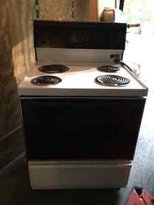 Electric range Kingston Kingston Area image 1