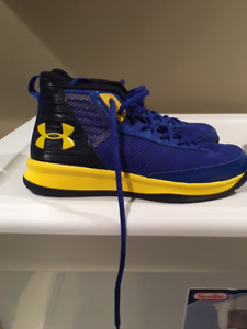 Under Armour Size 2 basketball shoes