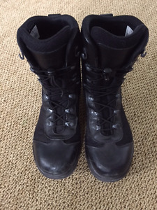 MEN'S SIZE 9 HAIX AIRPOWER P3 - WATERPROOF, TACTICAL BOOT