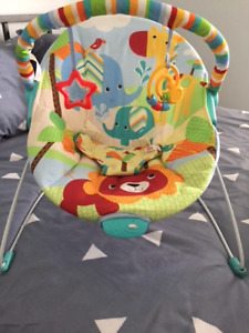 Infant vibrating chair