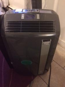 Climatiseur portatif AC 14000 BTU (Delonghi)