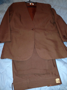2 Piece Brown Pant Suit (Jessica)Dry Cleaned Like New Condition
