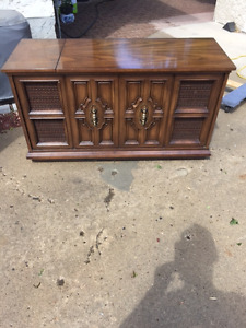Cabinet Stereo- Record / 8-Track
