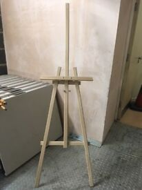 2x Sturdy wooden Easels
