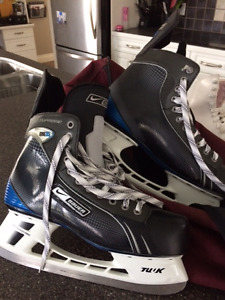 Mens Size 12 Bauer Skates in MINT condition