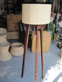 Unusual wooden standard lamp, 125 cms tall