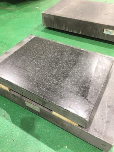 "Gray Granite Surface Plate: 18"" x 24"" x 3"", Grade A"