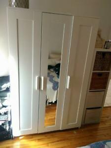 Penderie/Commode IKEA blanche (avec miroir)- pôle et rangement