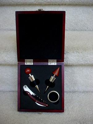 WINE ACCESSORIES DELUXE GIFT SET WOODEN BOX:  STOPPERS CORK SCREW NECK RING  NEW