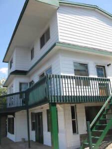 Chalet(grand maison) sur deux étages et 1/2
