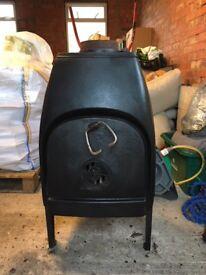 Black cast iron wood burner/stove (Jotul No 1 Classic - Norwegian Easter Island design)