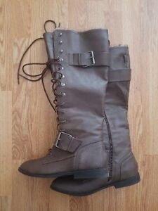 Wide Calf Grey Leather Lace-Up Boots Size 10