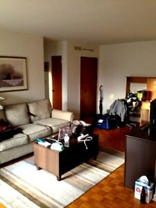 Large All inclusive Downtown 1 bed with Balcony avail Nov 1st Kingston Kingston Area image 1