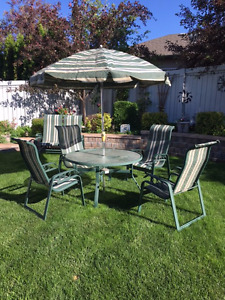 Patio furniture set (7 piece)