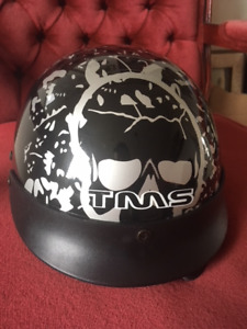 Motorcycle Helment - Outlaw style. Cool design!