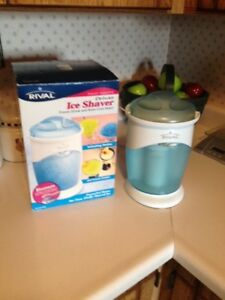 Deluxe Ice Shaver