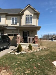 Townhome -3 Bed with Loft , Binbrook