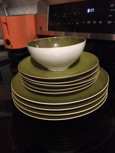 Gluckstein Home Glacier 10-piece Dinnerware Set