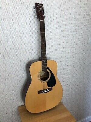 Yamaha F310 Acoustic Guitar. Hardly used. With Carry/storage bag.