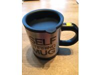 Lazybones Self Stirring Mug Auto Stirs drinks: Tea/ Coffee Funny Cup Gift