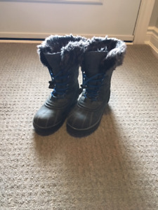 Taxi Brand winter boots size 6 - Excellent Condition
