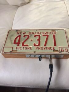 1969 New Brunswick licence plate stomp box with volume control