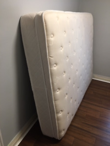 Queen Size bed frame, base and Mattress Exceptional Condition !