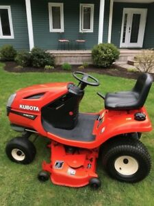 Kubota 1670 Lawn Tractor In Wonderful Condition