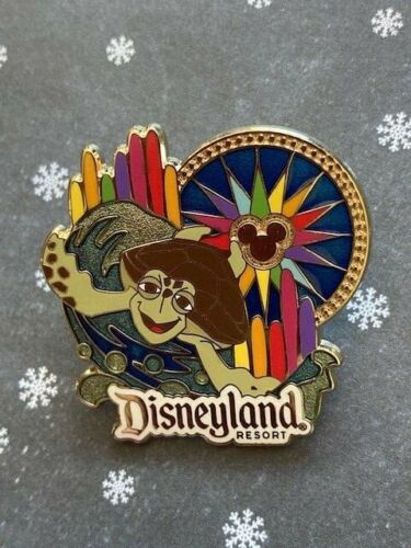 DLR - Disney Rewards VISA Cards from Chase World of Color - Crush Nemo Pin