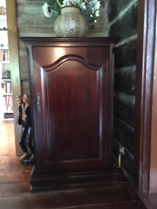 Beautiful top quality cabinet