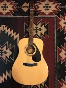Yamaha F325D Guitar, mint condition with case