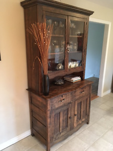 Dark Wood Antique Hutch with Plate Glass Doors - Excellent Cond