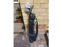 Ladies right handed golf clubs in small bag