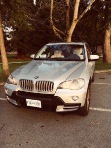 BMW X5  4.8i  2007  129,000 km