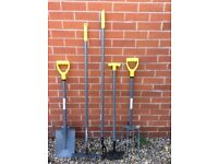 5 Piece Garden Tool Set - In excellent Condition, rarely used
