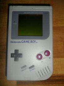 Gameboy original plud carry case and suoer mario 1 and 2 rugrats and tetris plus great condition