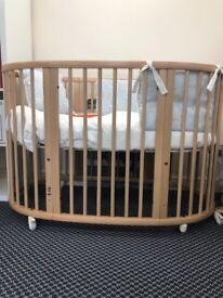 EX Display - STOKKE Sleepi Cot Bed, includes Mattress - WORTH £575