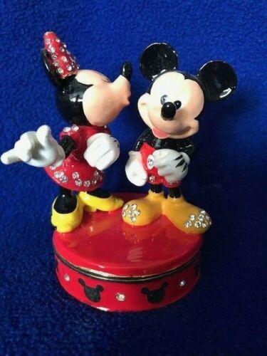 Disney Parks Arribas MICKEY & MINNIE KISSING Jeweled Hinged Trinket Box READ